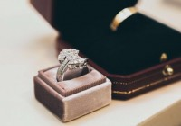 Buying engagement rings
